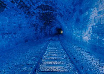 Tunnel_blau